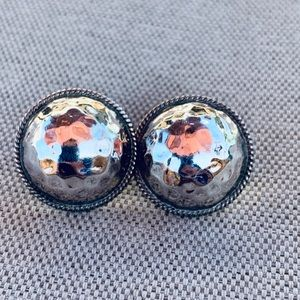 Vintage pierced hammered silver button earrings
